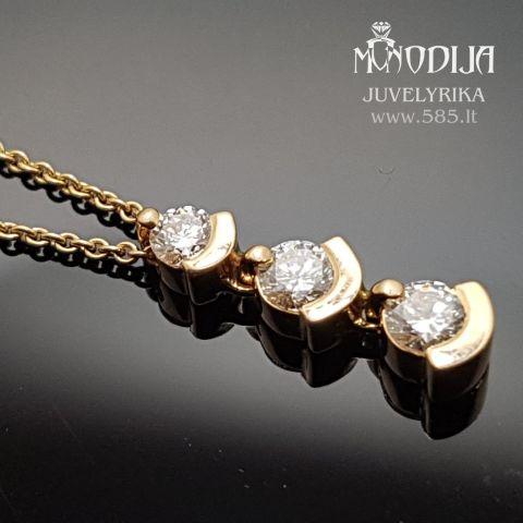 Geltono aukso pakabukas. Svoris 3g, briliantai po 0.1ct, 0.13ct, 0.16ct.  Kaina nuo 900€