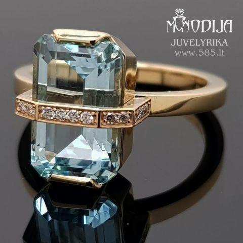 Moteriškas žiedas su topazu puoštas briliantais. Svoris 7g, briliantai po 0.008ct. Kaina nuo 1000€
