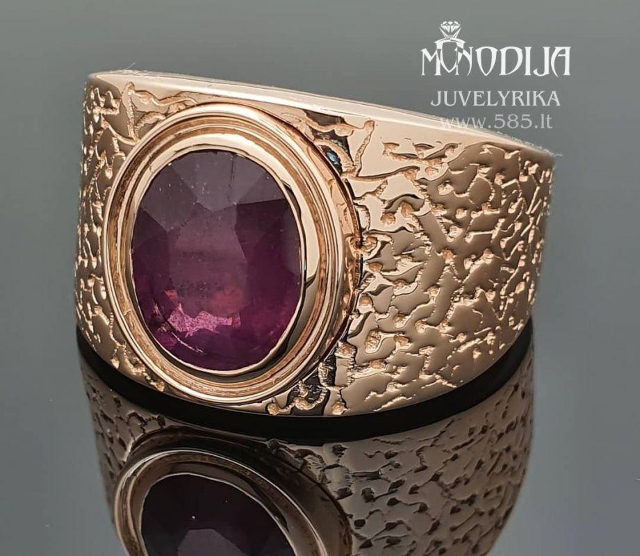Raudono aukso žiedas su rubinu. Svoris 20g. Kaina nuo 1200€ - www.585.lt