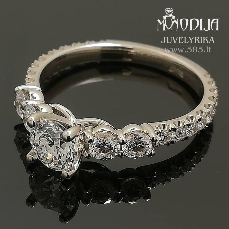 Balto aukso sužadėtuvių žiedas. Svoris 3g, briliantai 0.46ct, 0.07ct,  0.015ct. Kaina nuo 1800€ - www.585.lt