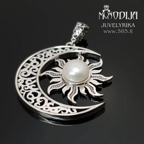 Mėnulis su saule. Sidabras ir baltas perlas. Pakabukas. Kaina nuo 300€